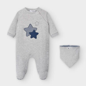 Set pijama y babero GRIS – MAYORAL NB